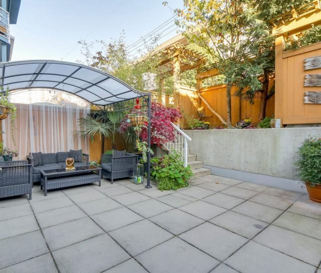 210 - 122 E 3rd Street, Lower Lonsdale, North Vancouver